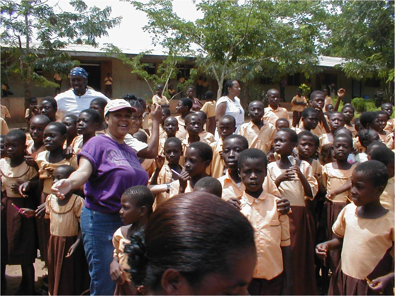 Volunteers enjoying the children of Ghana